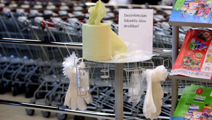 В Латвии больше никто не проверяет, насколько эффективны средства дезинфекции на входах магазинов