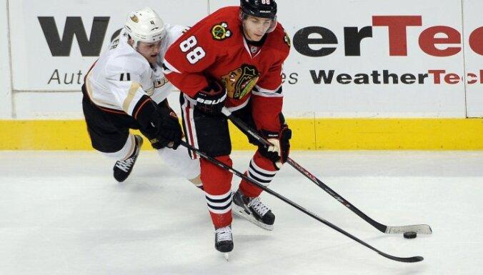 Один из лучших бомбардиров НХЛ забросил шайбу… в свои ворота