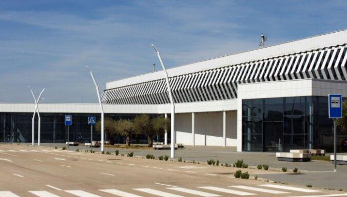 Spānijā par 10 000 pārdota 'spoku lidosta', kas izmaksāja miljardu eiro