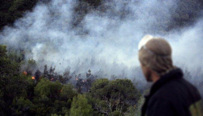 Пожар почти достиг границы Эстонии, в Мазсалацу направлены дополнительные силы