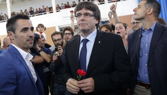 Katalonijas krīze: Spānijas tiesa izdod Eiropas apcietināšanas orderi Pudždemona arestam