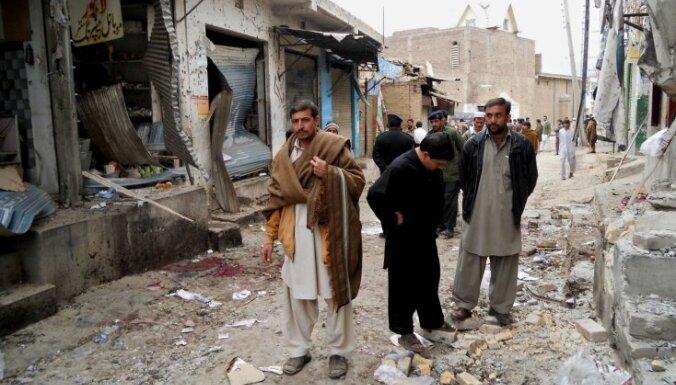 Pakistānā uzspridzināts vēlēšanu kandidāta birojs; vismaz astoņi bojāgājušie