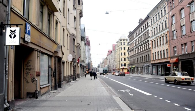Līdz 4. decembrim ierobežos satiksmi Čaka ielā Rīgā