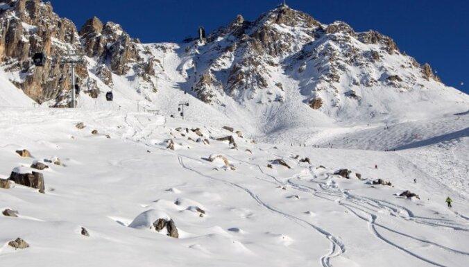 Šveices Alpos gājuši bojā četri vācu slēpotāji