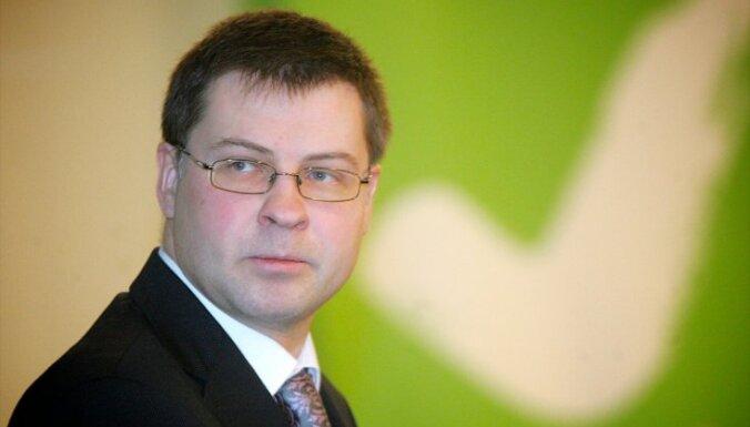 Домбровскис — о декларации Кампарса: всю информацию оценят СГД и БПБК