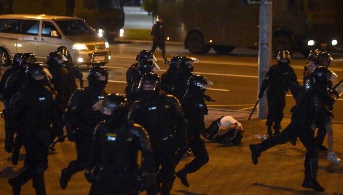 МВД Беларуси: милиция в Бресте открывала огонь на поражение по протестующим