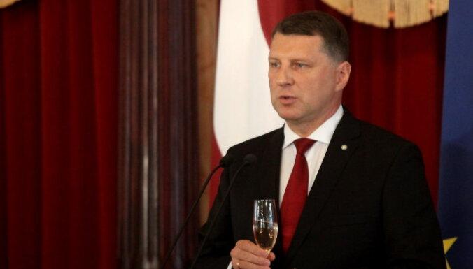 Хорошее начало: почти половине латвийцев нравится президент Вейонис