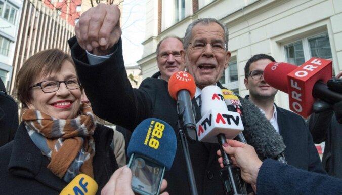 "Президент Австрии назвал миграционный закон Трампа ""дилетантским"""