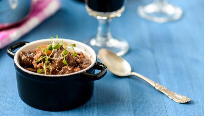 Sildošas maltītes ar drusku graķīša: 12 neparastāki ēdieni