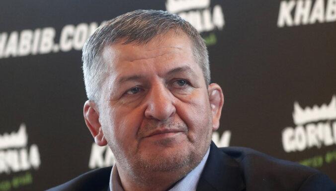 Визит Кадырова и сотни односельчан: как простились с отцом Хабиба