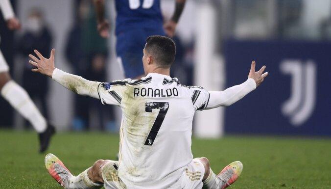 'Porto' no Čempionu līgas izslēdz 'Juventus'; tālāk soļo arī 'Borussia'
