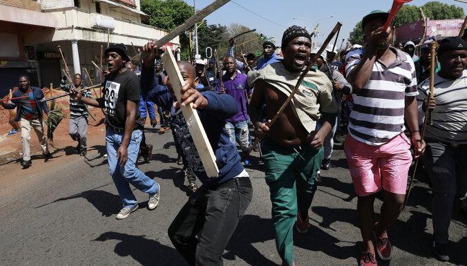 Dienvidāfrikā turpinās vardarbības vilnis pret ārzemniekiem