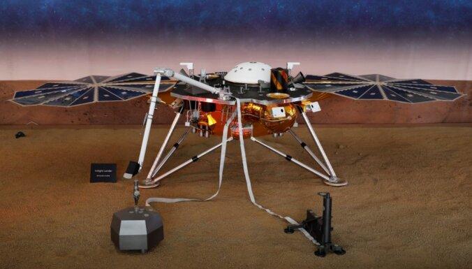 NASA zonde 'InSight' nolaidusies uz Marsa