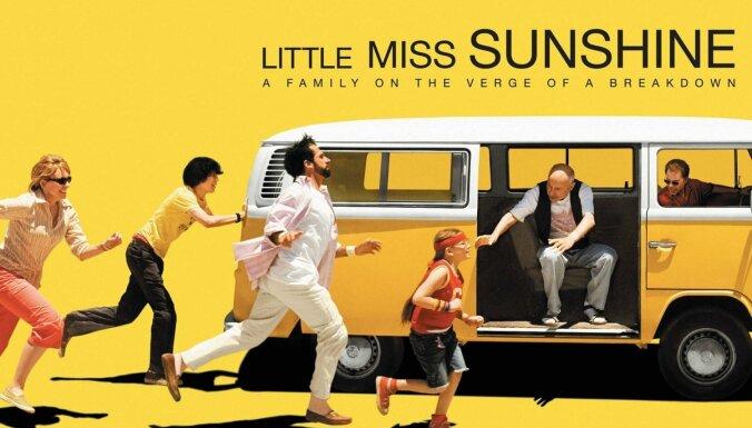 Ar komēdiju 'Mis Saulstariņš' turpināsies kino cikls 'Desmit izcili ceļojumi'