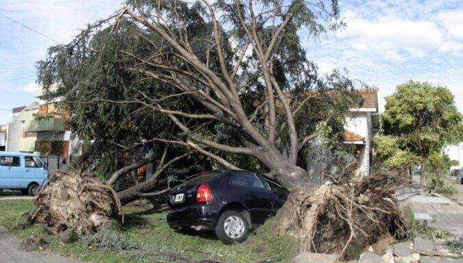 Vētrās Argentīnā 14 bojāgājušie