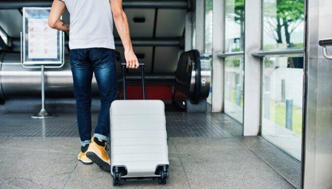 Еврокомиссия надеется уже летом частично восстановить туристический сезон в ЕС