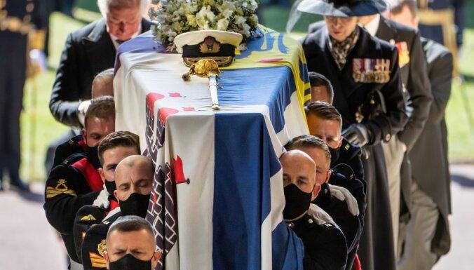 ФОТО: Великобритания проводила принца Филиппа в последний путь