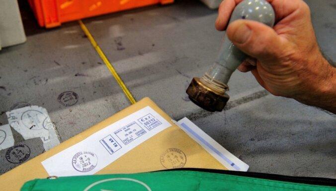 Latvijas Pasts saņem 63 bojātu pasta sūtījumu maisus no Lielbritānijas