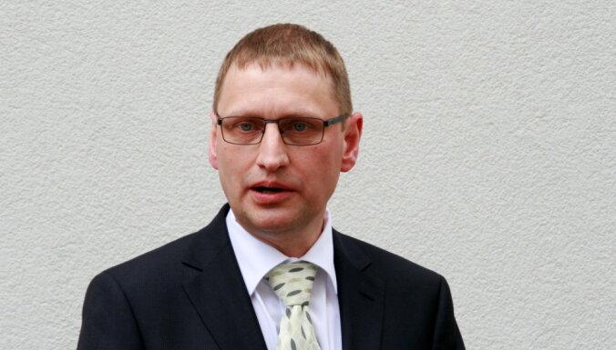 Covid-19 Lielbritānijas variantu Latvijā atrod gandrīz pusē paraugu, saka Kloviņš