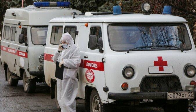 Covid-19: Smagās situācijas dēļ atlaiž Omskas veselības ministri