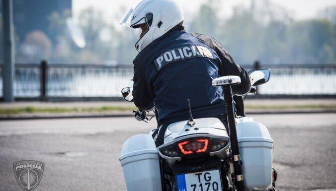 Policija sabiedriskās kārtības nodrošināšanā iesaista motoekipāžas
