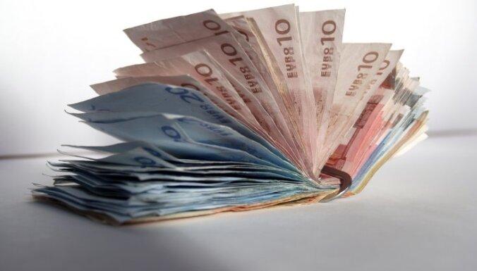 Swedbank: российско-украинский конфликт не ударит по Латвии, зарплаты жителей вырастут