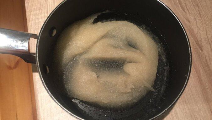 Soli pa solim: bezglutēna vegāniskā kokosriekstu piena un zemeņu kūka