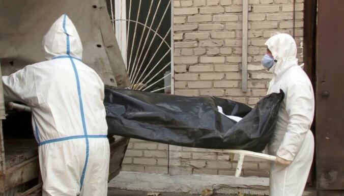 Covid-19: Krievijā jauns mirušo skaita antirekords; izsludina striktus ierobežojumus