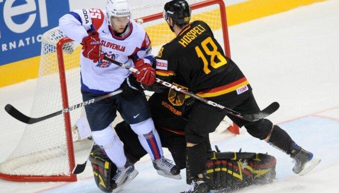'Nevajadzīgā spēlē' Vācijas hokejisti 'bullīšos' uzvar Slovēniju