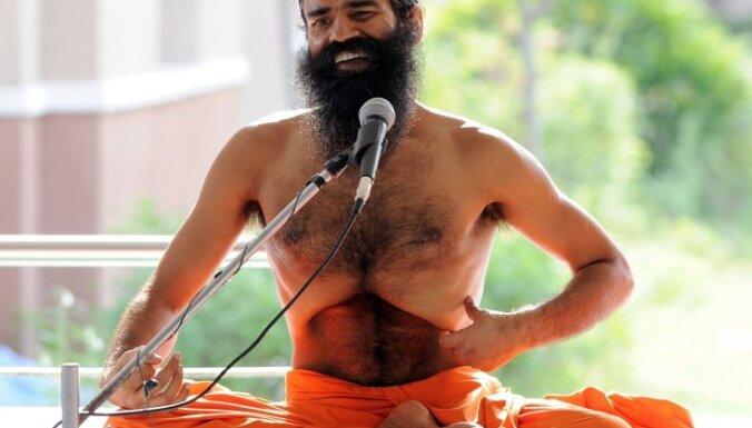 Индийский гуру заявил о создании армии правдорубов
