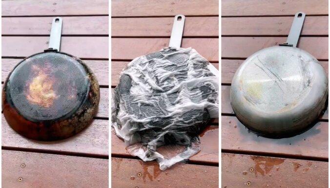 Vienkāršs triks, kā ātri notīrīt piedegušas pannas apakšu