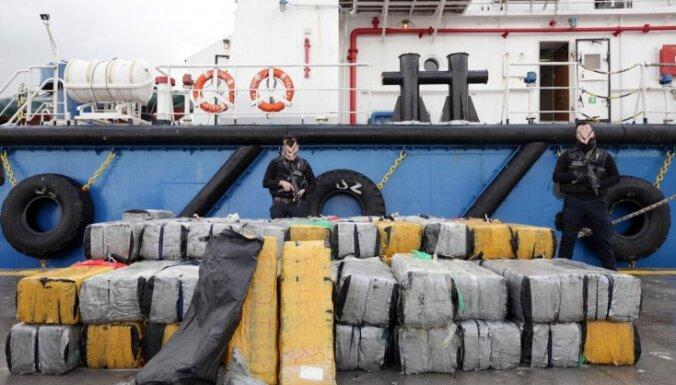 Kaboverdē aiztur 11 krievu jūrniekus pēc 9,5 tonnu kokaīna atrašanas