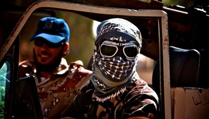 Sīrijas nemiernieki sola izmeklēt 'kanibāla video'