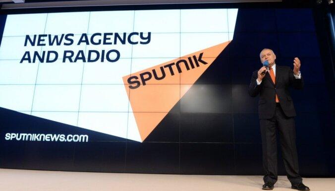 """De facto: в Латвию из России идет пропагандистский канал """"Спутник"""""""