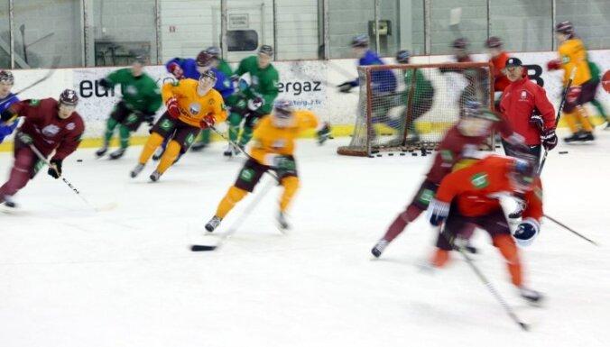 Latvijas hokeja izlase uzsāk pārbaudes spēļu ciklu pirms PČ