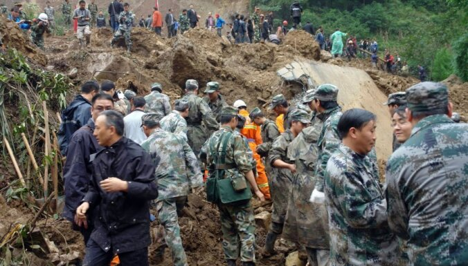 Visi 18 zemes nogruvumā apraktie Ķīnas skolēni gājuši bojā
