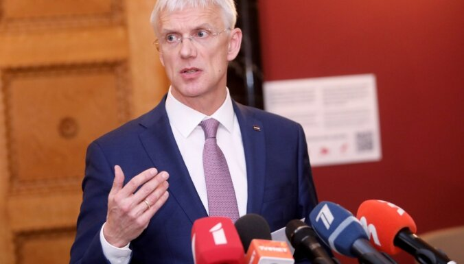 Krīzes ekonomisko seku pārvarēšanai apspriež Latvijā nebijušu risinājumu – 'dīkstāves reglamentu'
