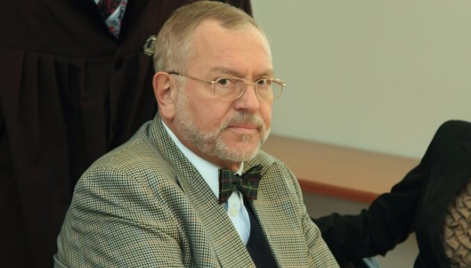 Ventspils amatpersonu lieta: tiesa par spīti Lemberga iebildēm pratinās Meroni; viņš liecinās aiz slēgtām durvīm