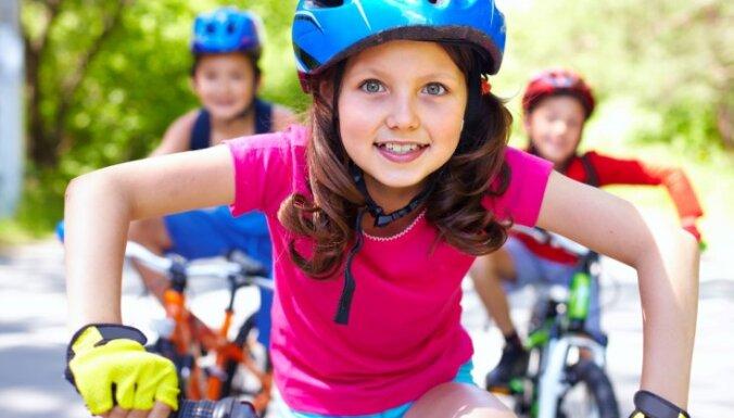 ДБДД начнет разъяснять велосипедистам, почему лучше ездить по дороге, а не тротуару