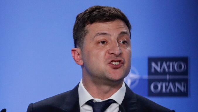 Зеленский пообещал дать России жесткий ответ на обстрелы в Донбассе