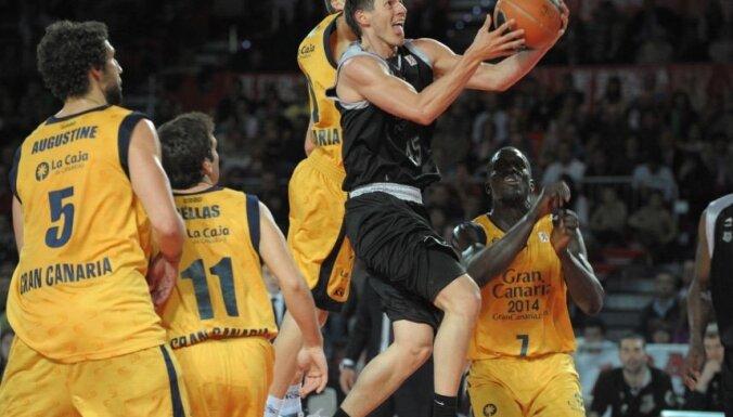 'Bizkaia Basket' zaudējums pirmajā Spānijas čempionāta finālspēlē, Blūmam pieci punkti