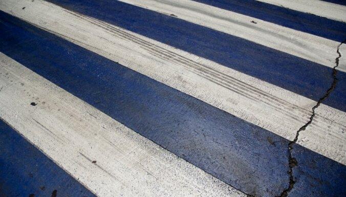 В Елгаве на пешеходном переходе сбита женщина
