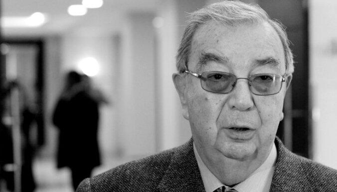 Miris Krievijas bijušais premjers un ārlietu ministrs Jevgēņijs Primakovs