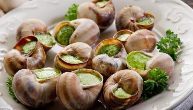 10 populāri franču ēdieni, kas jānogaršo kaut reizi dzīvē