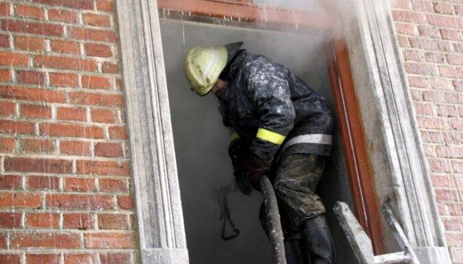 В огне пожара погиб мужчина и пострадала женщина