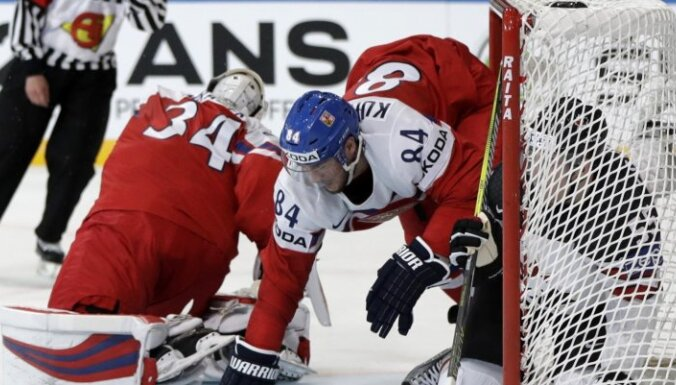 ВИДЕО: Чех Гудас завалил капитана Канады одним ударом, но чемпионы выиграли
