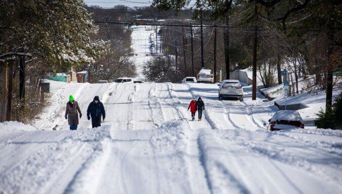 В обычно жарком Техасе сейчас рекордные морозы. С чем это связано?