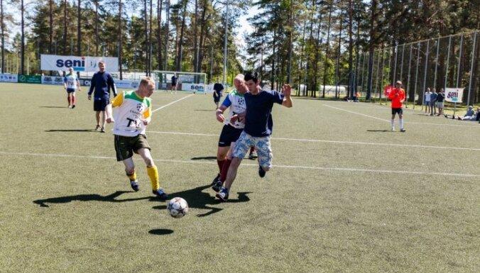 Foto: 'Ziedkalne' uzvar starptautiskās minifutbola sacensībās cilvēkiem ar īpašām vajadzībām