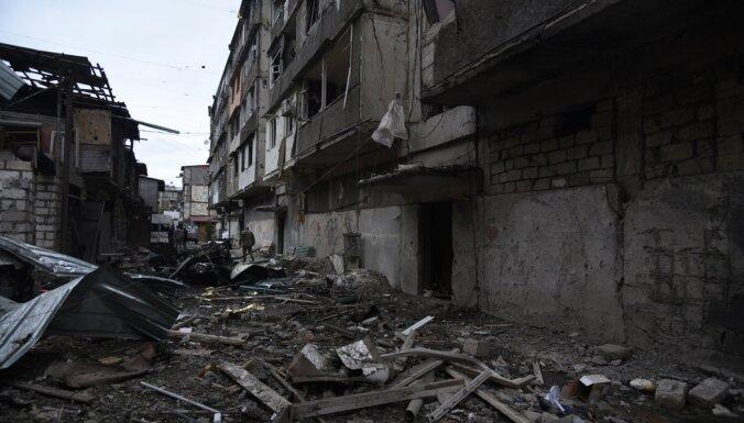 Azerbaidžāna ar smagajiem ieročiem apšauda Stepanakertu