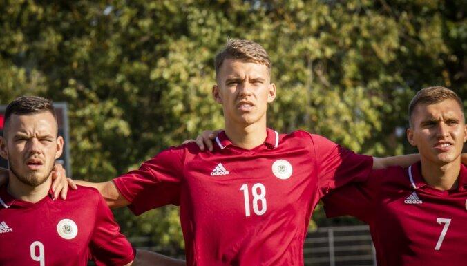 Latvijas U-21 futbolisti pēc cerīga puslaika ciklu noslēdz ar zaudējumu Polijā